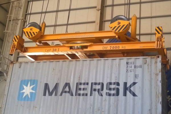 Containerspreader mit Drehwerk 30t