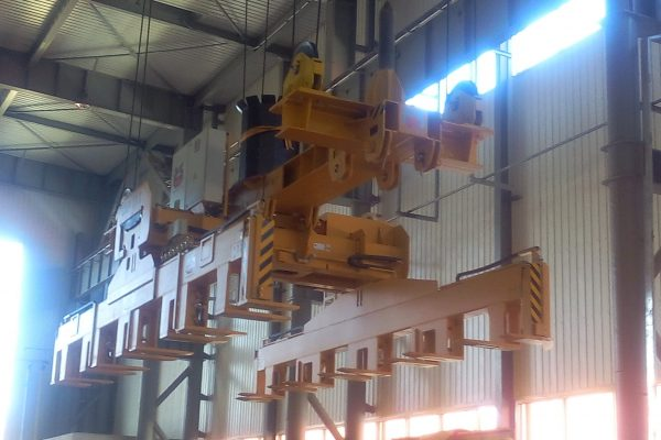 Plate Stack Lifter with Cable Pulley Suspension