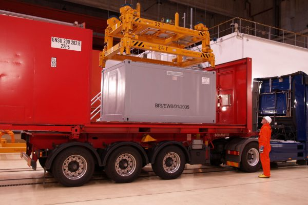 Container Spreader with Adapter Lifting Frame