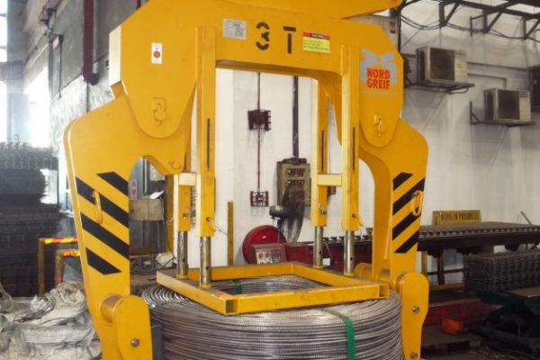 Wire Coil Outer Tongs with w. adjusting table