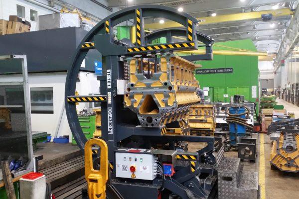 Electromotive 180° Engine Block Turning Unit