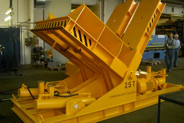 Electro-hydraulic Upender /  Tilting Table