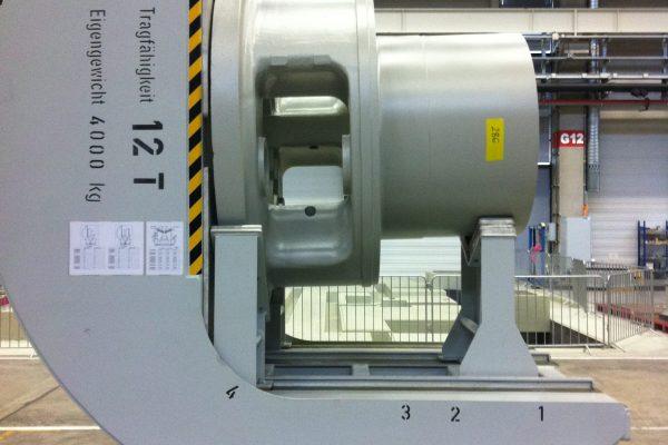elektro-motorischer Werkzeugkipptisch