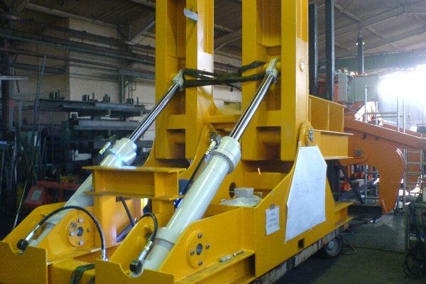 electrohydraulic Tilting Table / Upender